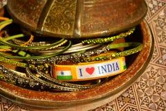 Amo las pulseras del mensaje de la India Imagen de archivo libre de regalías