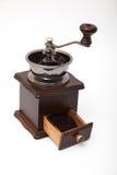 Amoladora aislada del grano de café del vintage y café molido fresco imágenes de archivo libres de regalías