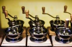Amoladora de café manual del vintage Imagenes de archivo