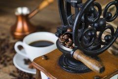 Amoladora de café retra fotos de archivo
