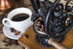 Amoladora de café retra fotografía de archivo