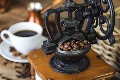 Amoladora de café retra imágenes de archivo libres de regalías