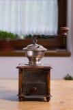 Amoladora de café vieja fotografía de archivo