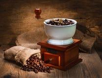 Amoladora y otros accesorios para el café Imagenes de archivo