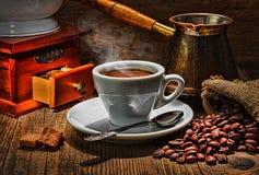 Amoladora y otros accesorios para el café Fotos de archivo libres de regalías