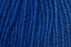 Amorçage de laine bleu-foncé de plan rapproché Photographie stock libre de droits