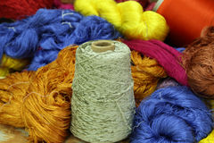 Amorçage en soie cru coloré Photos libres de droits