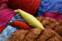 Amorçage en soie cru coloré Photographie stock libre de droits