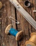 Amorçage et accessoires de couture Photographie stock libre de droits