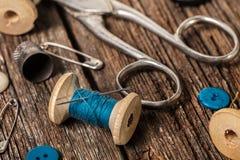 Amorçage et accessoires de couture Photo stock
