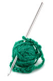 Amorçage et pointeau de tricotage pour faire du crochet Images stock