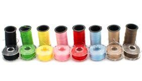 Amorçages colorés pour la broderie Photos libres de droits