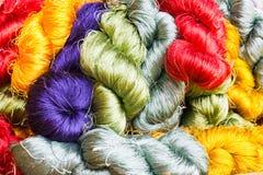 Amorçages de soie sur des lignes Photo stock