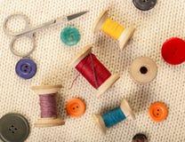 Amorçages et boutons colorés Image libre de droits