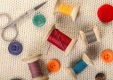 Amorçages et boutons colorés Photographie stock libre de droits