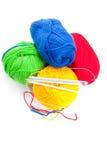 Amorçages et rais pour le tricotage Image stock