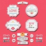 Amor bonito e grupo retro das etiquetas e de etiquetas do dia de Valentim Imagens de Stock Royalty Free