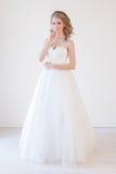 Amor branco do casamento do vestido de casamento da noiva Foto de Stock