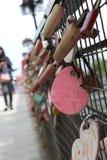 Amor de la cerradura por la cerradura nunca y para siempre imagen de archivo libre de regalías