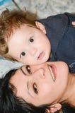 Amor de la madre Fotos de archivo