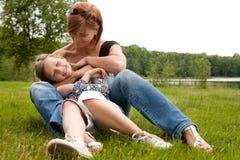 Amor de la madre y del daugther imagen de archivo