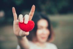 Amor del amor en concepto romántico de las mujeres adolescentes Foto de archivo