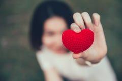 Amor del amor en concepto romántico de las mujeres adolescentes Imagen de archivo