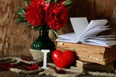 Amor del libro viejo y de la palabra Imagen de archivo libre de regalías