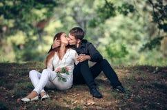 Amor e afeição entre um par novo Fotografia de Stock