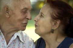 Amor en cualquie edad fotos de archivo libres de regalías