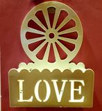 Amor en su puerta imagen de archivo libre de regalías