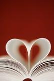 Amor entre las paginaciones fotos de archivo libres de regalías