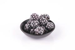 Amoras-pretas congeladas em um prato Imagens de Stock