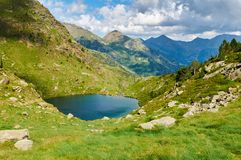 Amorce d'Estany Lacs Tristaina (Estanis de Tristaina) l'andorre Image stock