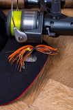Amorce de fileur de pêche de plan rapproché avec la bobine Photographie stock libre de droits