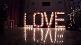 Amore bruciante dell'iscrizione archivi video
