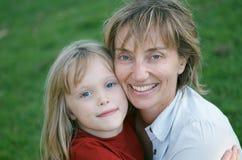 Amore della figlia e della madre Immagini Stock Libere da Diritti