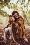 Amore della parte della figlia e della madre Famiglia felice Fotografia Stock