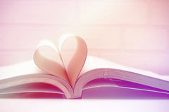Amore di concetto del libro del cuore Immagine Stock Libera da Diritti