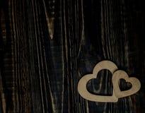 Amore di media dei cuori che mette su vecchio di legno Fotografie Stock Libere da Diritti
