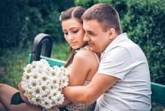 Amore ed affetto fra una giovane coppia Immagine Stock Libera da Diritti