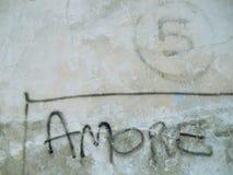 Amore no muro de cimento Fotos de Stock Royalty Free