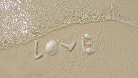 Amore in onde delicate video d archivio