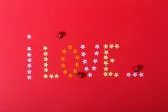 Amore St Giorno del ` s del biglietto di S Bei cuori Immagini Stock Libere da Diritti