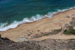 Amoreiras strand i Santa Cruz, Portugal Arkivbild