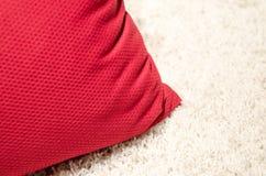 Amortiguador rojo del sofá Imagen de archivo