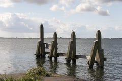 Amortisseur dans le lac Haringvliet Hellevoetsluis Images stock