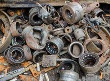 Amortisseur et autre inutile et rouillé de disques de frein Photos stock