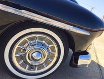 Amortisseur et pneu d'avant de voiture de vintage Photographie stock