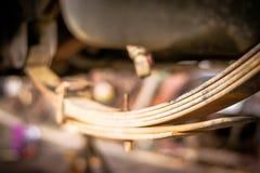 Amortisseur et suspension d'une voiture Image stock